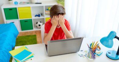 ¿Sabías que existe el «cyberbullying» y «trolling»? Las nuevas formas de hacer bullyng en Internet